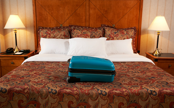 avoid bed bugs while traveling
